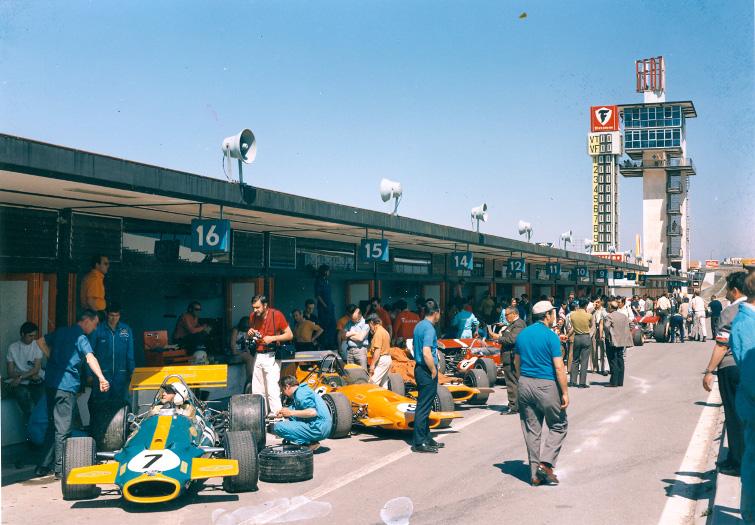 GP_Espania_1970-boxes